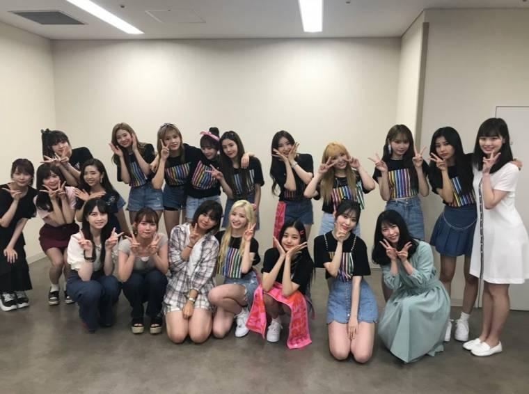 아이즈원 with AKB48 멤버들 단체 사진