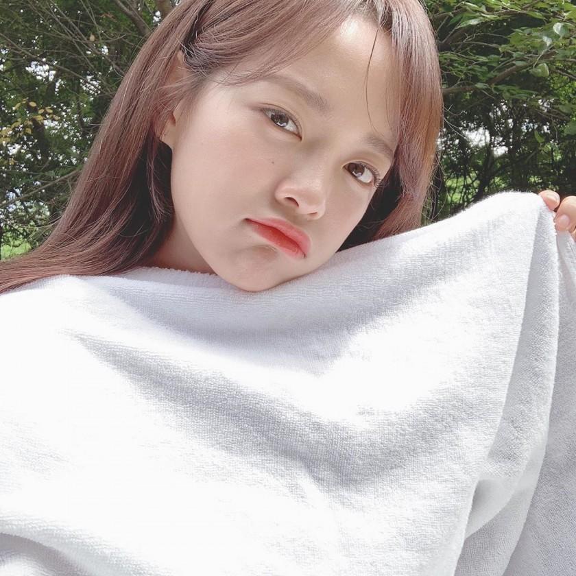 오늘자 인별 김세정
