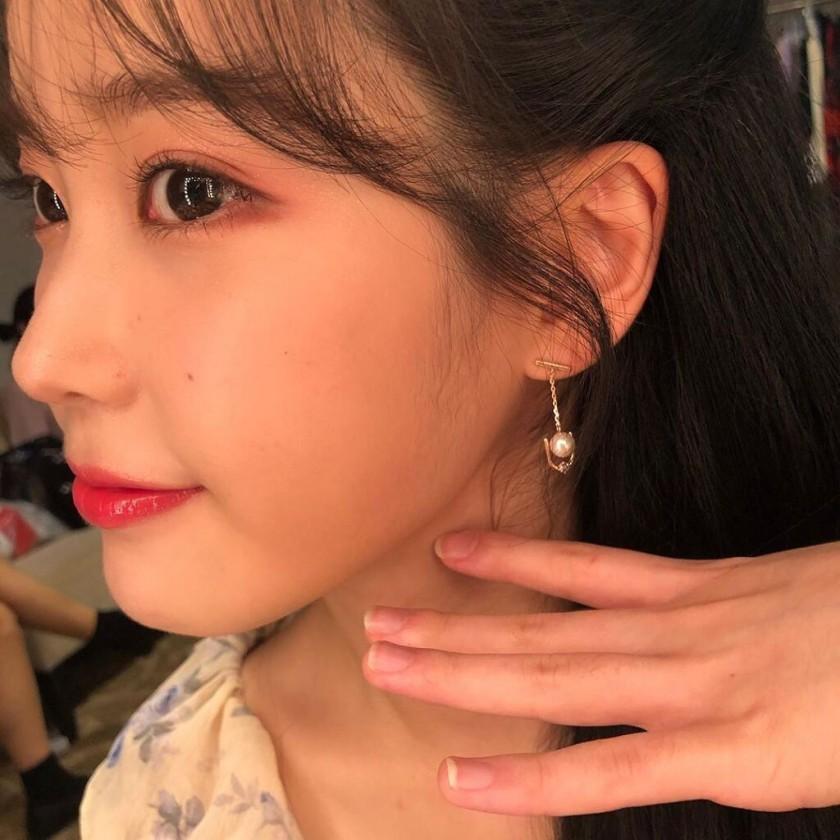 인스타 아이유 귀걸이