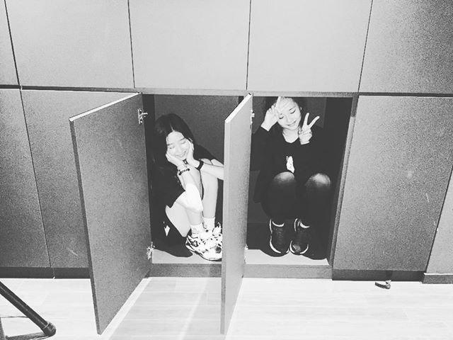 아이즈원 김민주 데뷔전 사진들 (스압)